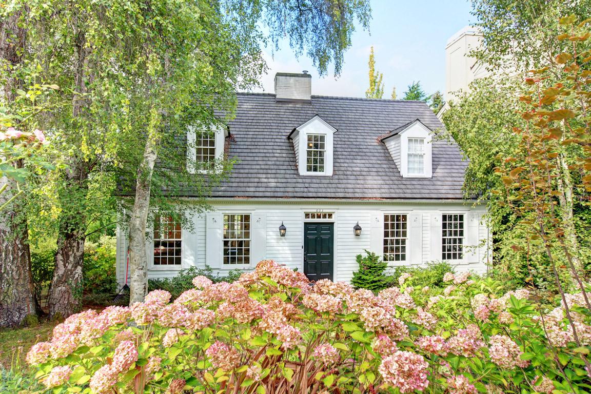 Colonial Real Estate : Elizabeth ayer colonial estate in washington park for