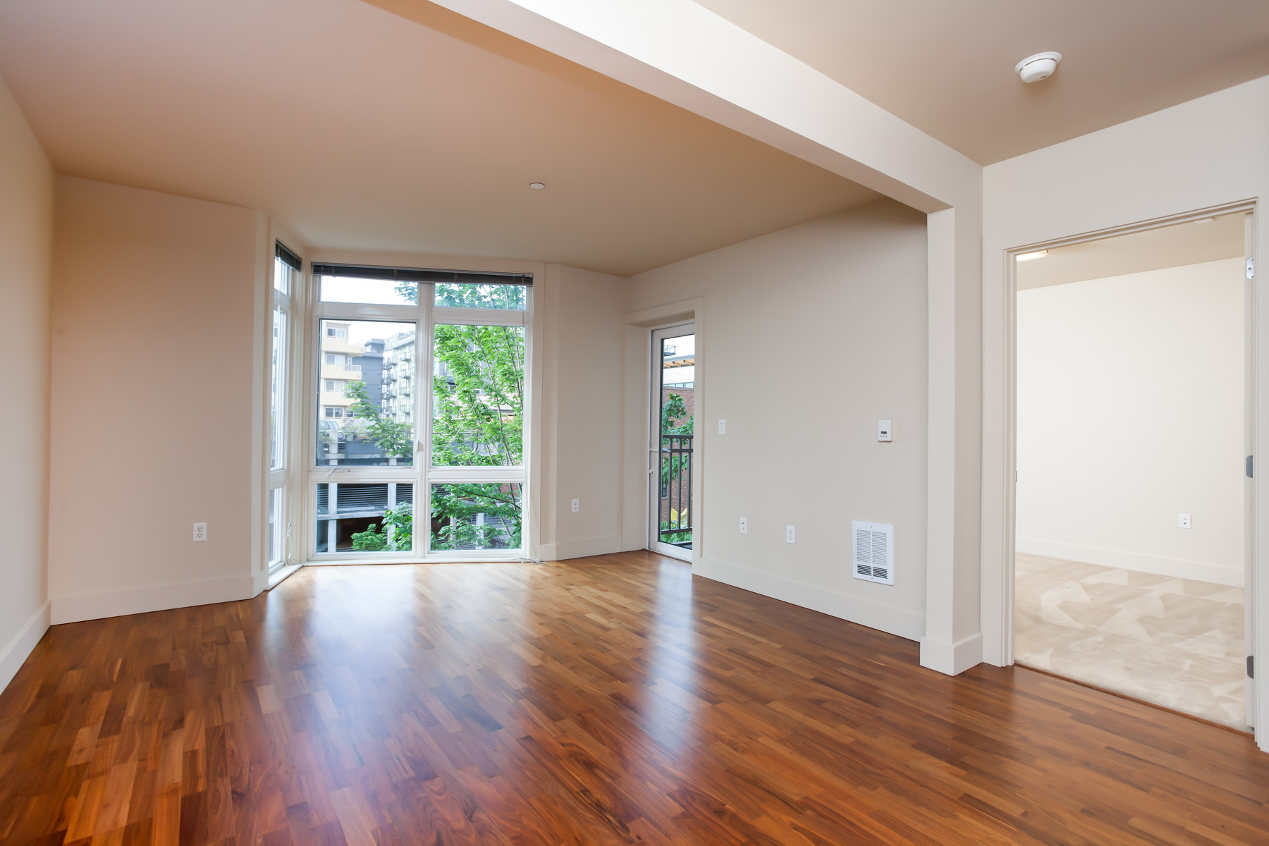 Matae belltown condominium spacious 1 bedroom den with Floor to ceiling windows for sale