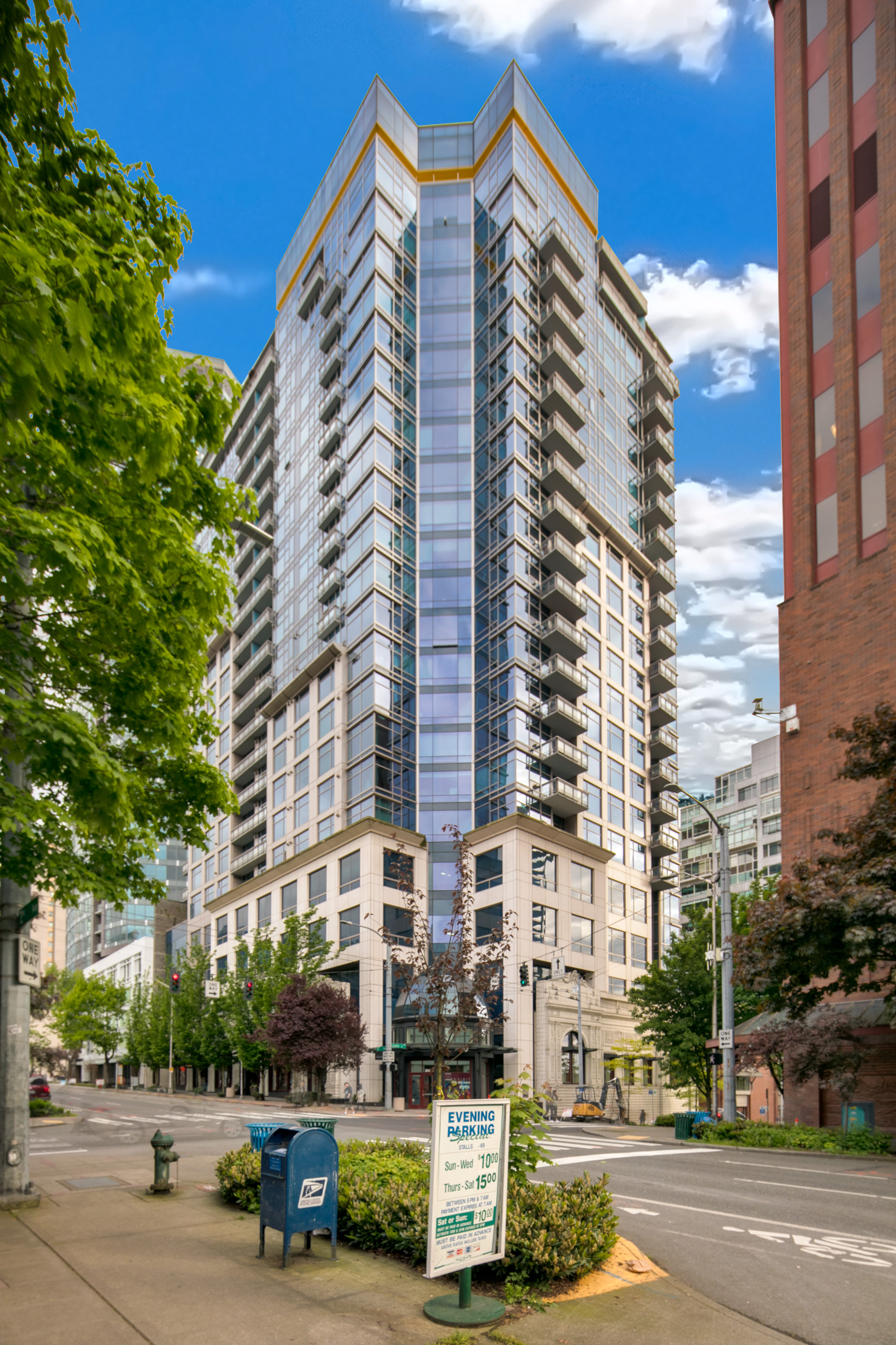 Find Similar Properties View Virtual Tour Print this Property Share this Property & Cristalla Sub-Penthouse Belltown Condo - NW Exposure w/ 180 Degree ...