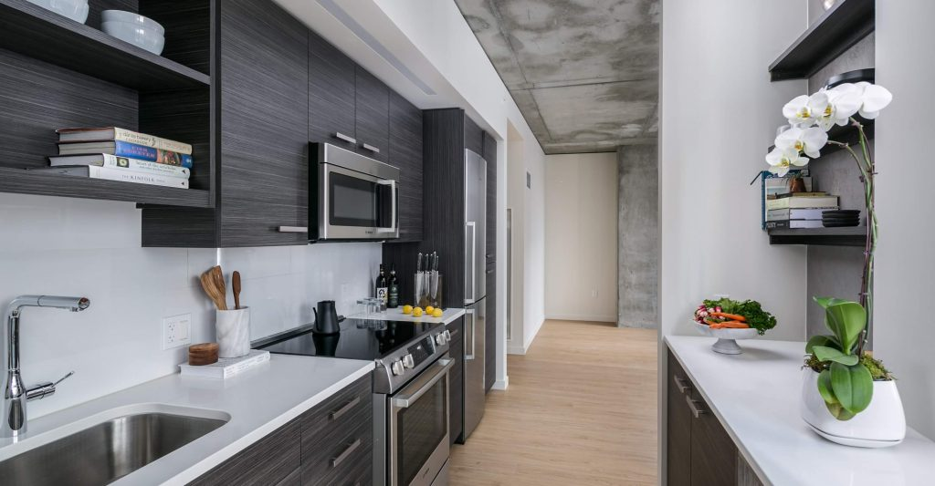 West Edge Tower - 2nd & Pike: Kitchen & Interiors