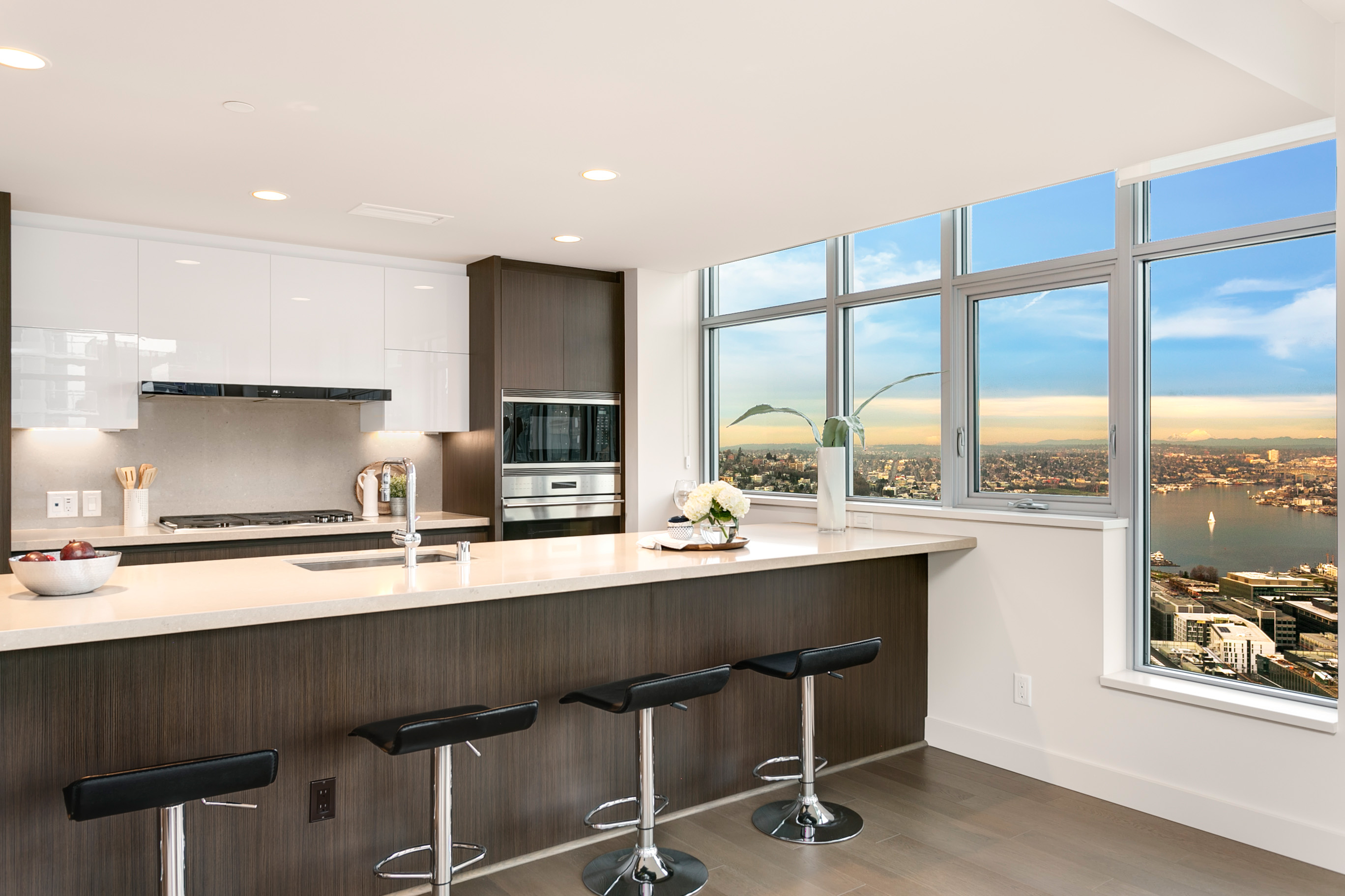 Insignia Towers - Penthouse 3801N