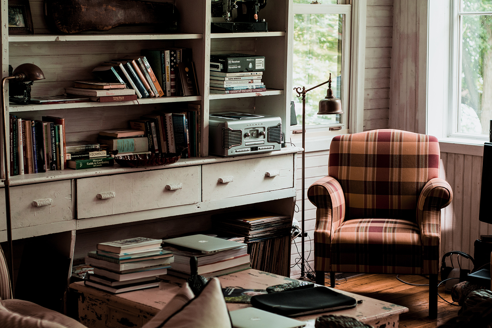 3 Reasons Your Home Has a Clutter Problem (and How to Solve It!)